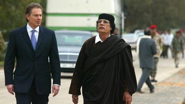 Tony Blair e Muammar Gheddafi (marzo 2004) - Sputnik Italia