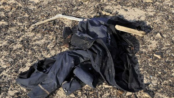 I vestiti dei passeggeri dell'aereo schiantato - Sputnik Italia