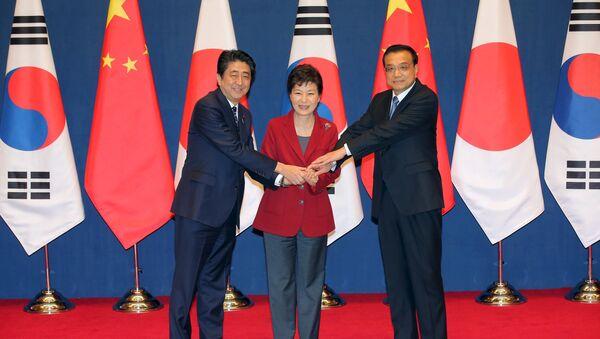 Incontro tra leader di Cina, Giappone e Corea del Sud - Sputnik Italia