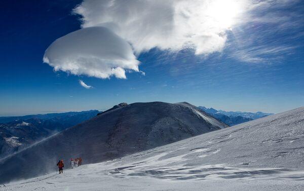La cima dell'Elbrus, 5621m - Sputnik Italia