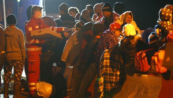 Migranti al confine austriaco-tedesco - Sputnik Italia