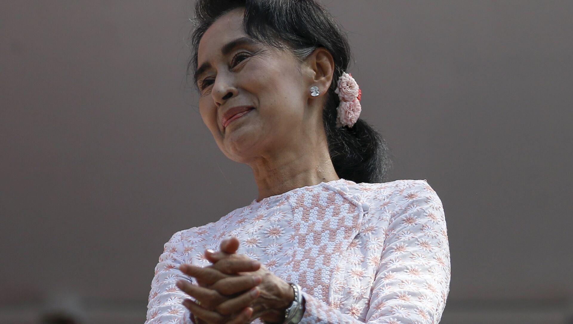 Aung San Suu Kyi - Sputnik Italia, 1920, 01.02.2021