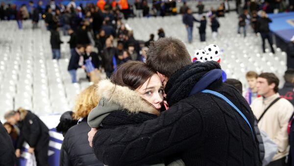 Attentati a Parigi: centinaia di vittime, caos nelle strade. - Sputnik Italia