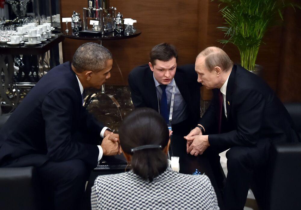 Il presidente russo Vladimir Putin e il presidente degli USA Barack Obama al summit G20 in Turchia.