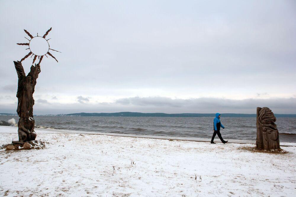 Il lago Onega d'inverno