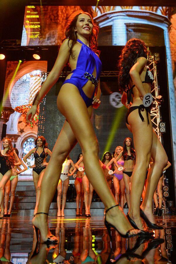 Le ragazze del concorso Krasa Rossij 2015 - Sputnik Italia