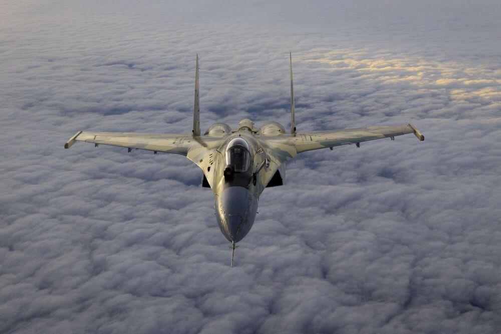 Caccia multiruolo russo Su-35.