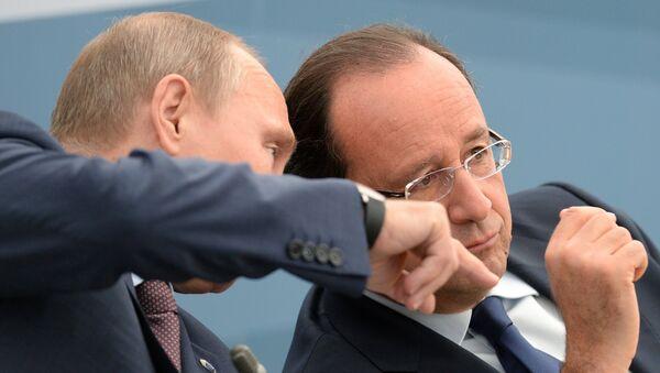 Vladimir Putin e Francois Hollande - Sputnik Italia