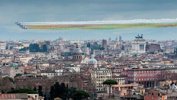 Le Frecce Tricolori in Italia - Sputnik Italia