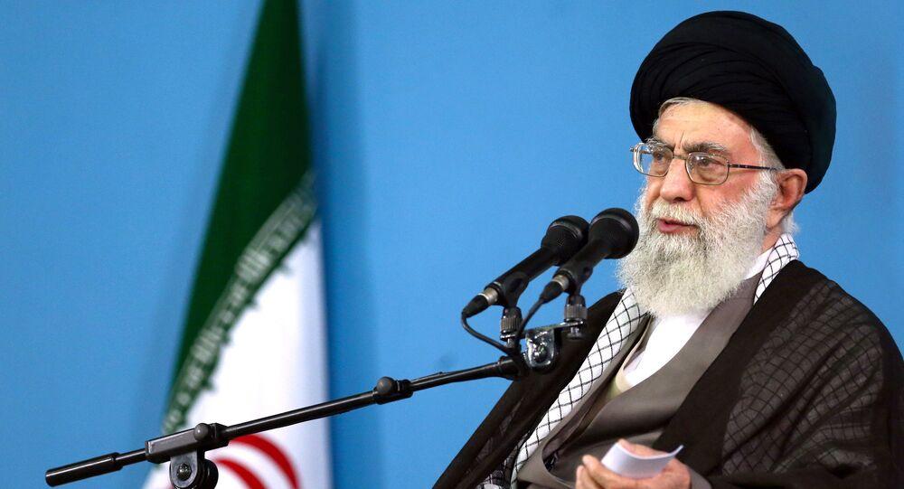 Ayatollah Ali Khamenei (foto d'archivio)
