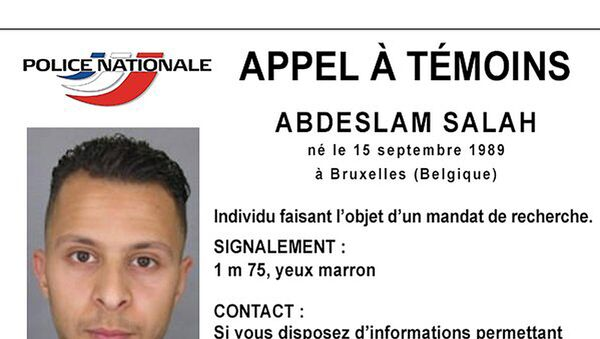 Handout picture shows Belgian-born Abdeslam Salah seen on a call for witnesses notice released by the French Police Nationale information services on their twitter account November 15, 2015 - Sputnik Italia