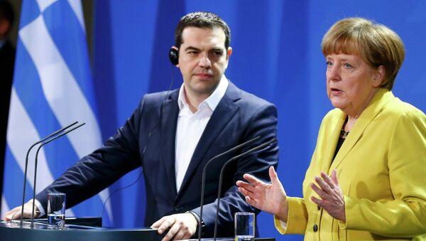 Il colloquio tra la Merkel e il leader greco. - Sputnik Italia