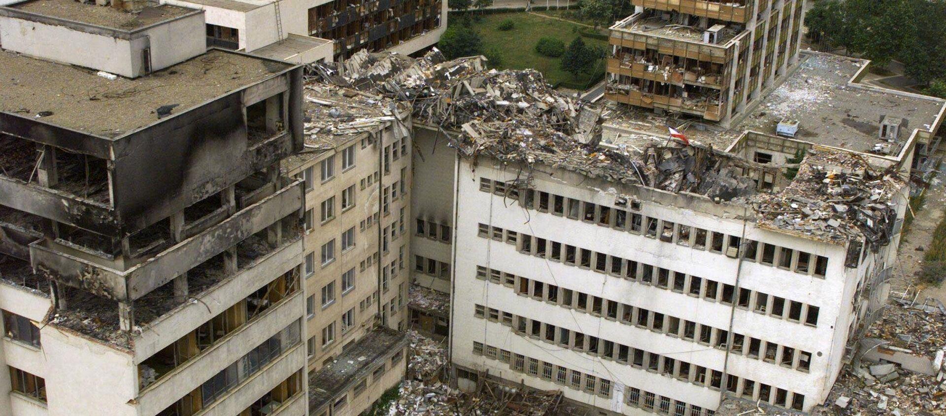 Rovine di Pristina dopo i bombardamenti NATO nel 1999 - Sputnik Italia, 1920, 07.02.2018
