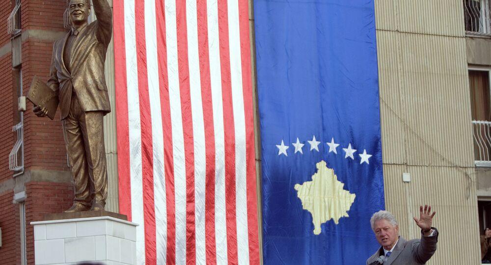 Statua del presidente USA Bill Clinton a Pristina, capitale del Kosovo