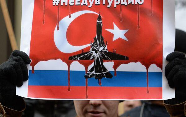 Un cartello con l'hasthag #iononvadointurchia, scelto dai russi per protestare - Sputnik Italia