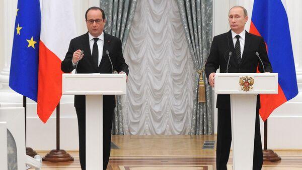 Francois Hollande e Vladimir Putin al Cremlino - Sputnik Italia