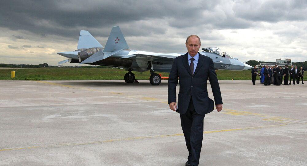 Vladimir Putin  presente al testaggio di caccia Sukhoi T-50 quinta generazione