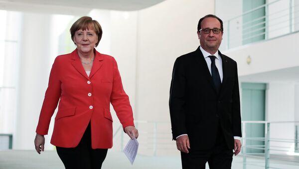 Angela Merkel e François Hollande - Sputnik Italia