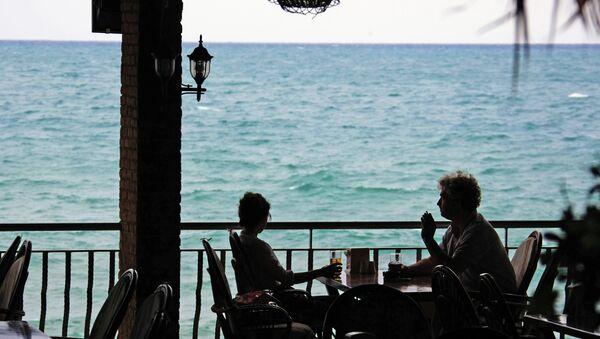 Turisti in un cafè turco. - Sputnik Italia