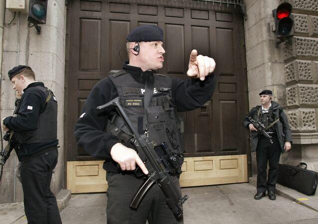 Polizia antiterrorismo britannica