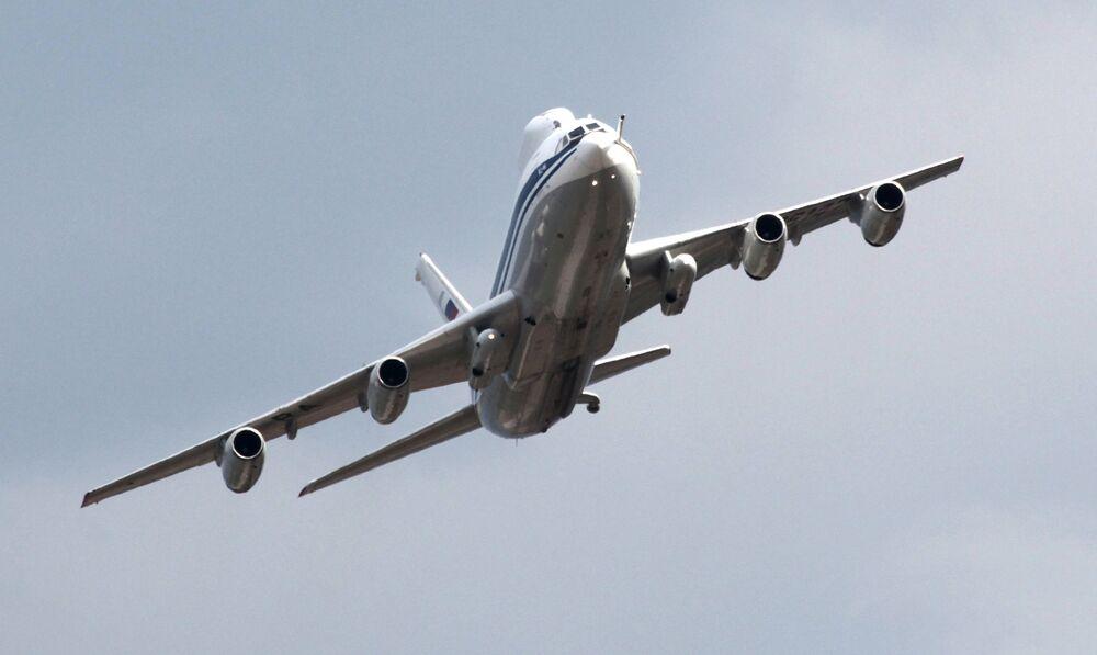 L'aereo Il-80 durante le celebrazioni del centenario delle Forze aeree russe.