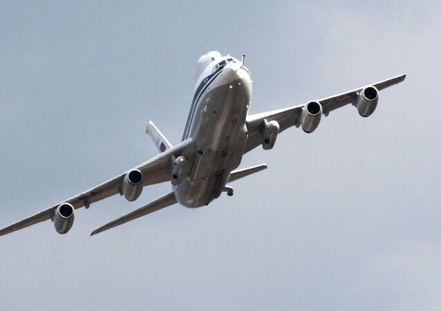 L'aereo Il-80 durante le celebrazioni del centinario delle Forze aeree russe.