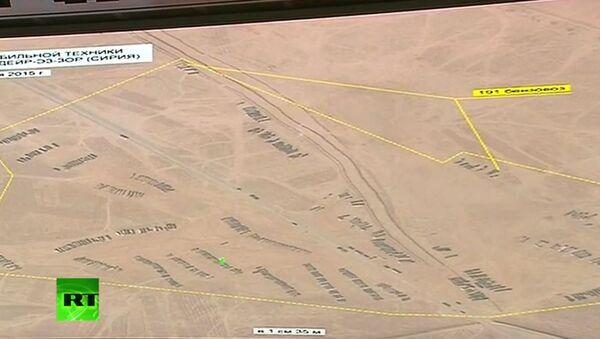 Autocisterne col petrolio trafugato dall'ISIS in attesa di varcare il confine siriano-turco - Sputnik Italia