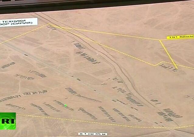 Autocisterne col petrolio trafugato dall'ISIS in attesa di varcare il confine siriano-turco