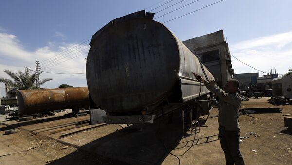 Contrabbando di petrolio del Daesh - Sputnik Italia