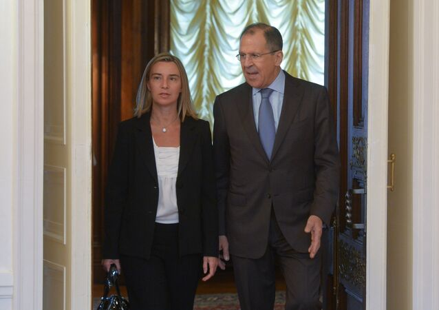Sergey Lavrov e Federica Mogherini