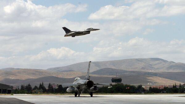 Aerei da caccia F16 della Turchia - Sputnik Italia