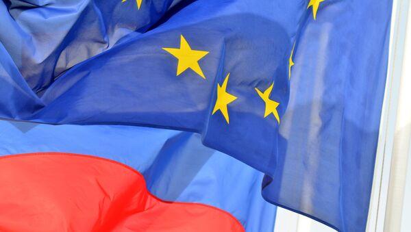 Bandiere della Russia e dell'UE - Sputnik Italia