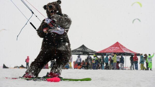 Lo spettacolo dello Snowkiting in Siberia - Sputnik Italia