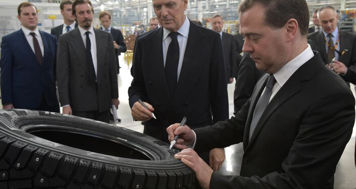 Marco Tronchetti Provera ed il premier russo Dmitry Medvedev all'apertura del nuovo stabilimento Pirelli di Voronezh