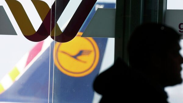 La procura indaga i  possibili motivi del co-pilota di Germanwings precipitato - Sputnik Italia