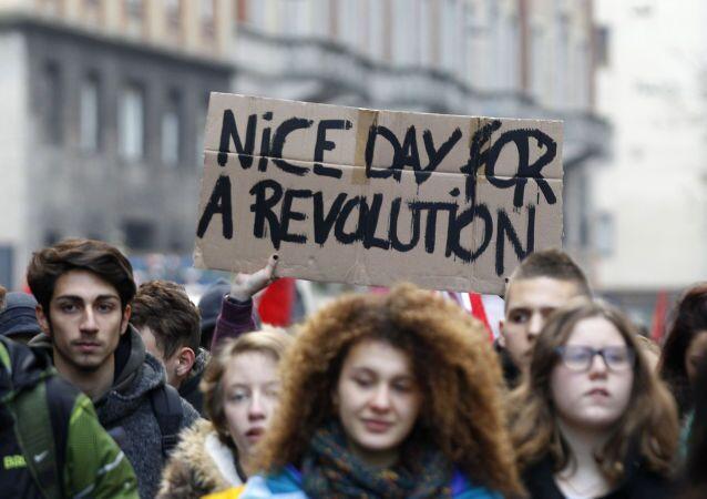 Studenti in manifestazione (foto d'archivio).