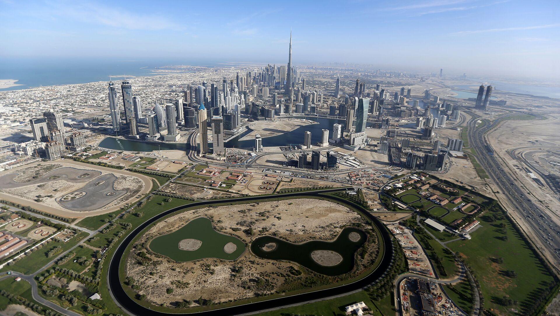 Вид на самую высокую башню в мире Бурдж-Халифа в Дубае, ОАЭ - Sputnik Italia, 1920, 05.04.2021