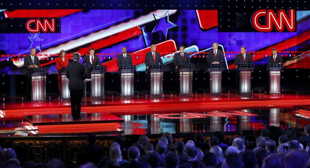 Candidati in corsa per la presidenza John Kasich, Carly Fiorina, Marco Rubio, Dr. Ben Carson, Donald Trump, Ted Cruz, Jeb Bush, Chris Christie e Rand Paul partecipano ai dibattiti a Las Vegas, Nevada, il 15 dicembre, 2015.