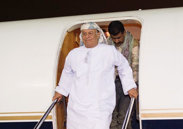 ll Presidente yemenita Abed Rabbo Mansour Hadi arrivato in aereo alla base aeronuatica in Arabia Saudita