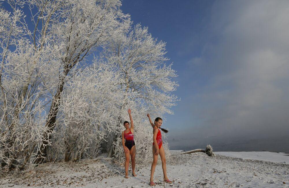 A qualcuno piace freddo. Club del nuoto invernale in Siberia.
