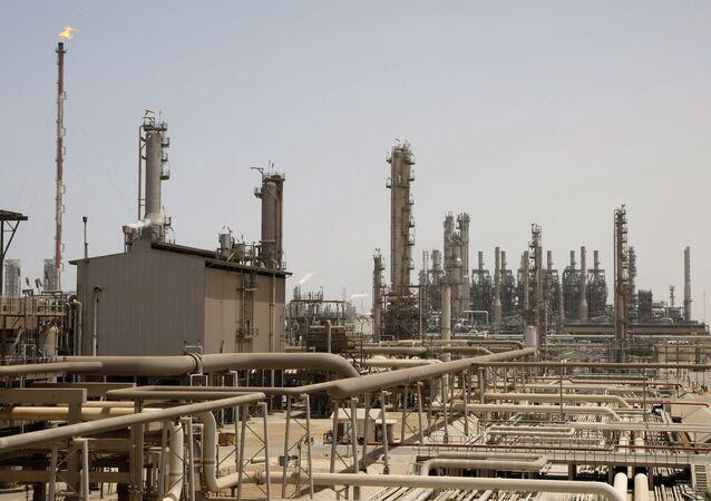 Impianto petrolifero in Arabia Saudita (foto d'archivio)