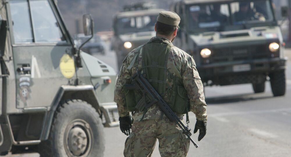 Soldati italiani impegnati in una missione di pace
