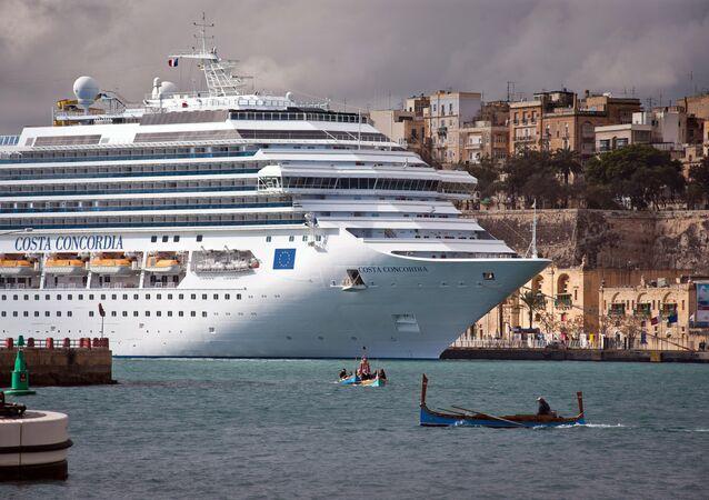 La nave di crociera  Costa Concordia