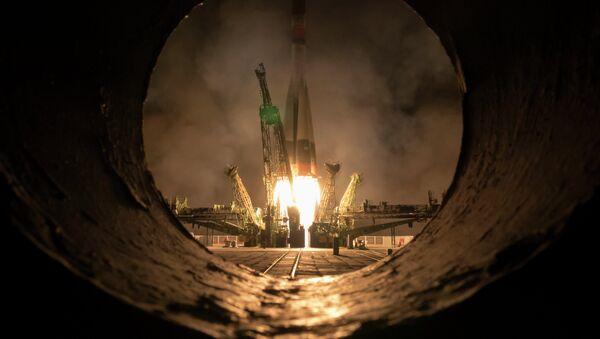 Il lancio di una navetta Soyuz con a bordo il satellite Glonass - Sputnik Italia