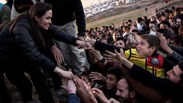 UNHCR  inviata speciale Angelina Jolie in Iraq  - Sputnik Italia
