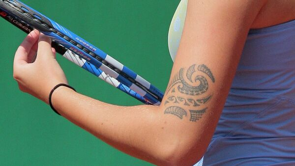 Close-up on Czech Karolina Pliskova arm's tatoo taken on May 18, 2011 at the Roland-Garros stadium in Paris during the Women's first qualifying round of the Grand Slam Roland-Garros tennis tournament. Tournament will run from May 22 to June 5, 2011 - Sputnik Italia