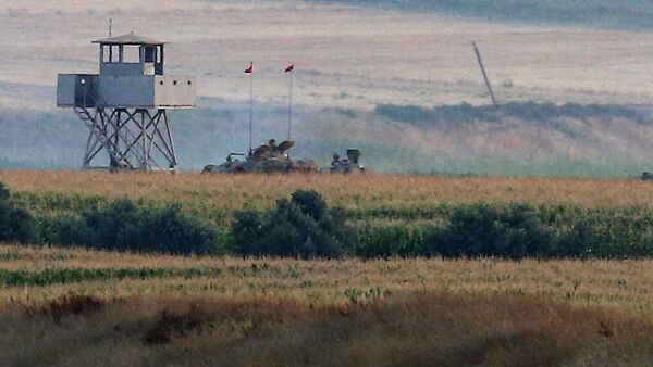 Artiglieria turca al confine con la Siria - Sputnik Italia