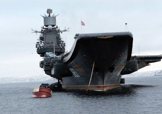 La portaerei russa Admiral Kuznetsov