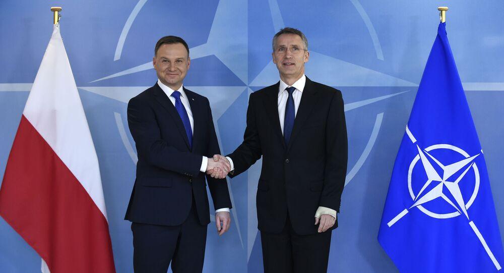 Andrzej Duda e Jens Stoltenberg al quartier generale della NATO di Bruxelles