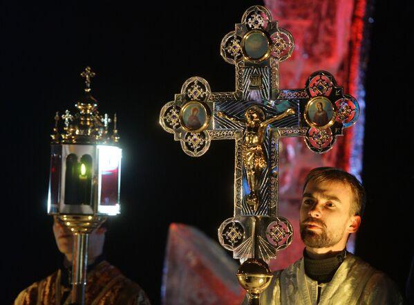 Il Battesimo ortodosso - Sputnik Italia